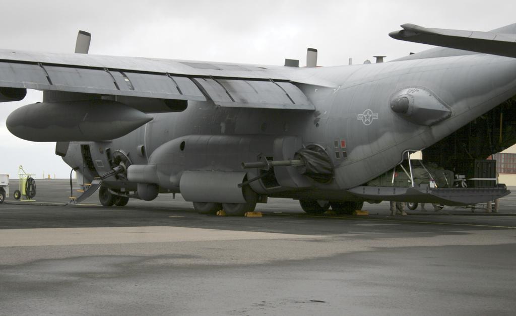 Noticias del C-130 Hércules L-100 - (TC-100 FAA) - Página 2 89-0513_AC-130U_06-06-27_8342_1024